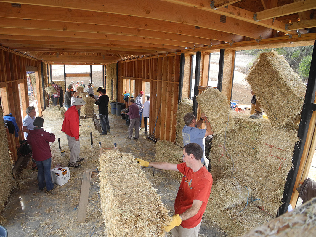 an introduction to straw bale homes