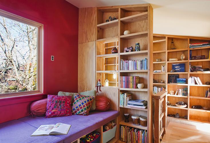 santa cruz straw bale book shelves